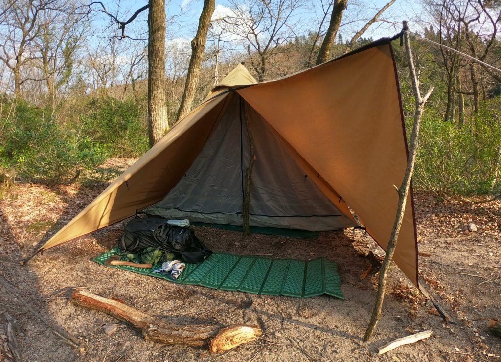 ワンポールテントでソロキャンプ